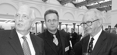 Professor Hans Tietmeyer (Links), Lord Ralf Dahrendorf (rechts), Carsten Seim